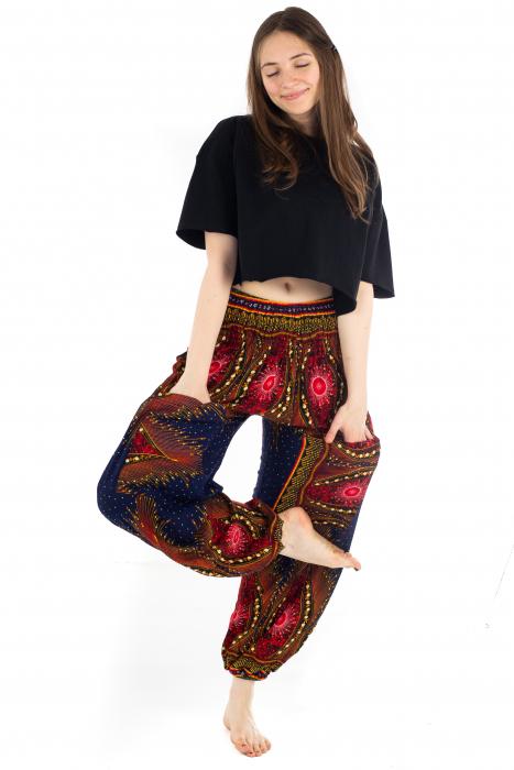 Pantaloni cu banda elastica si motive tip paun [4]