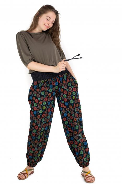 Pantaloni cu print - Flower Frenzy [3]