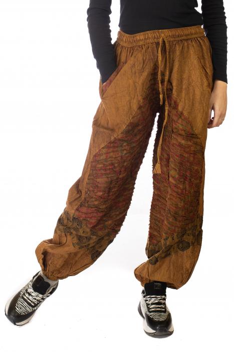 Pantaloni lejeri cu print si accente razor-cut - Maro 1