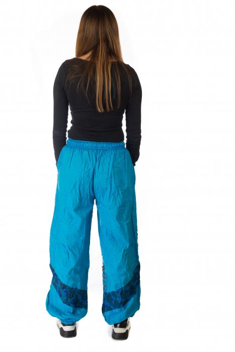 Pantaloni lejeri cu print si accente razor-cut - Albastru 3 5