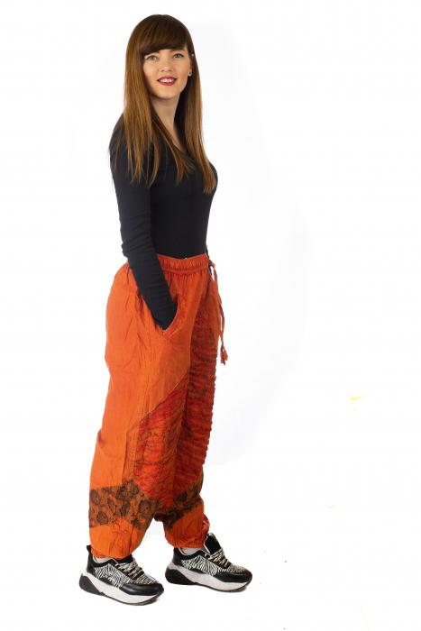Pantaloni lejeri cu print si accente razor-cut - Portocaliu model 1 4