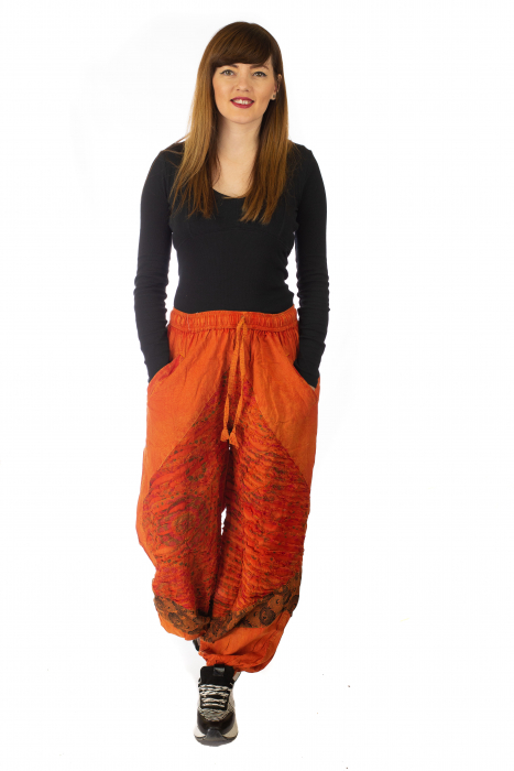 Pantaloni lejeri cu print si accente razor-cut - Portocaliu model 1 1