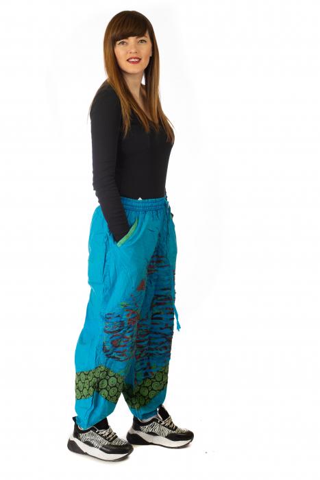 Pantaloni lejeri cu print si accente razor-cut - Albastru 2 4