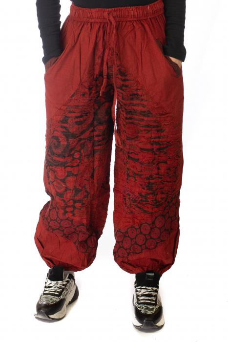 Pantaloni lejeri cu print si accente razor-cut - Rosu 1