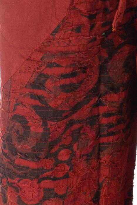 Pantaloni lejeri cu print si accente razor-cut - Rosu 2