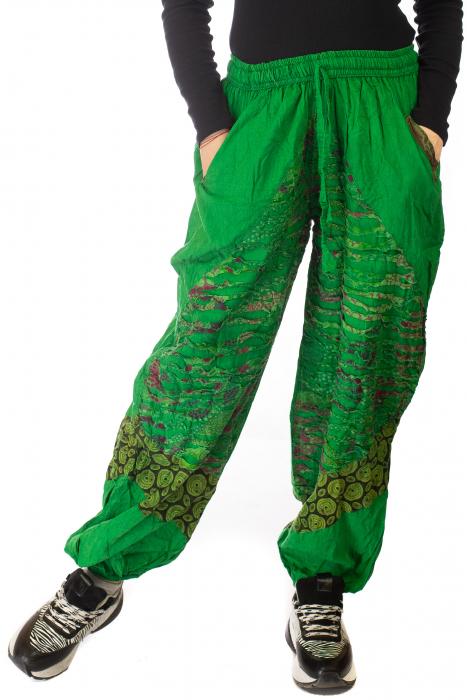 Pantaloni lejeri cu print si accente razor-cut - Verde 0