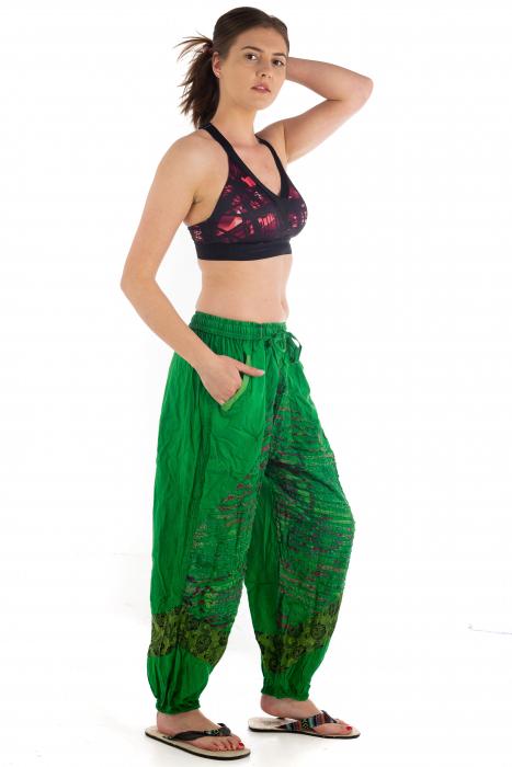 Pantaloni lejeri cu print si accente razor-cut - Verde - Model 2 4
