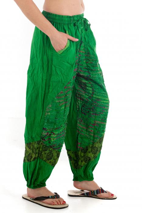 Pantaloni lejeri cu print si accente razor-cut - Verde - Model 2 2