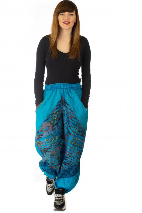 Pantaloni lejeri cu print si accente razor-cut - Albastru 4 1
