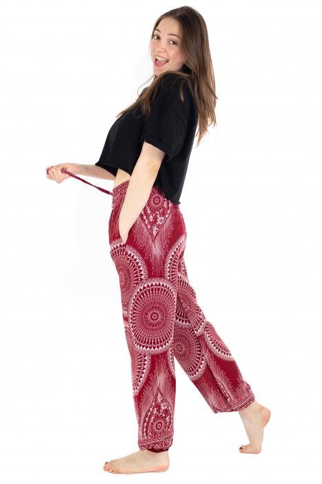 Pantaloni lejeri din rayon - Red Mandala [3]