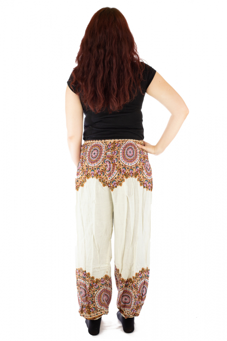 Pantaloni tip salvar femei mandala orientala albi 2