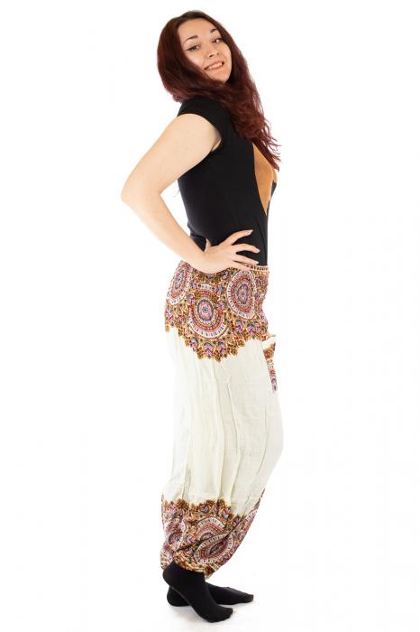 Pantaloni tip salvar femei mandala orientala albi 1