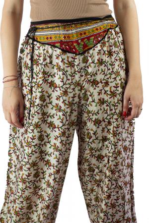 Pantaloni lejeri de vara albi cu floricele - J1011