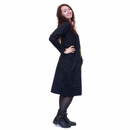 Rochie neagra cu patrat verde1