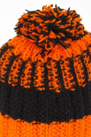 Caciula din lana - Orange and Black7