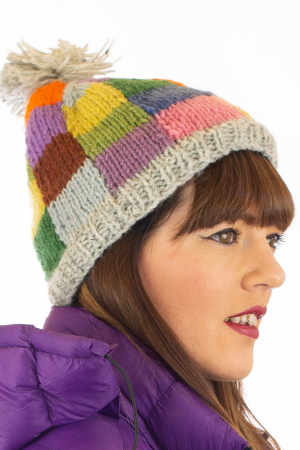 Caciula din lana - Rainbow patches1