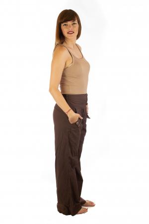Pantaloni cu buzunare si nasturi - Maro2