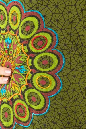 Bluza maneca lunga verde cu mandale BG-6013