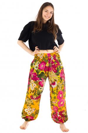 Pantaloni cu banda elastica si motive florale [1]