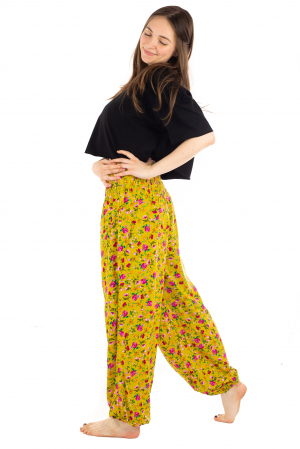 Pantaloni din rayon cu elemente florale [2]