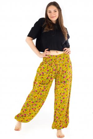 Pantaloni din rayon cu elemente florale [4]