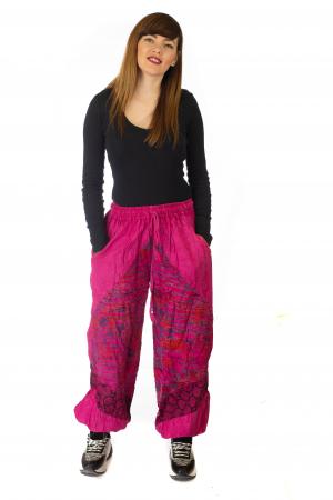 Pantaloni lejeri cu print si accente razor-cut - Roz2