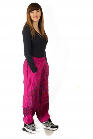 Pantaloni lejeri cu print si accente razor-cut - Roz5