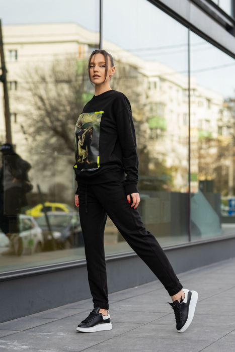 Set Easy-Fit bluza imprimata si pantalon Oversized Black [4]
