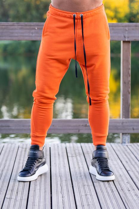 Set Kali-Fit hanorac si pantalon conic Black/Orange [5]