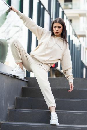 Set Easy-Fit hanorac si pantalon Oversized Light Beige [2]