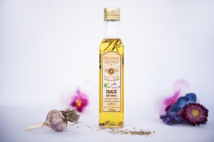 Ulei de floarea-soarelui cu mărar și usturoi 1
