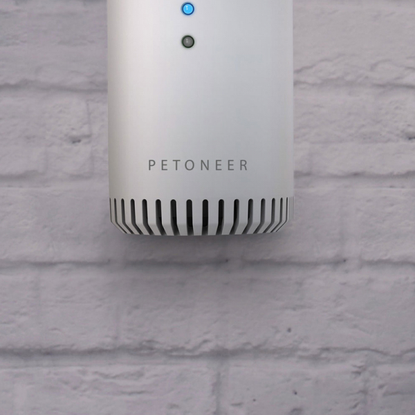 Eliminator mirosuri Petoneer smart, sterilizator, purificare aer, montare in zona lietierei pentru pisici, senzor IR 1