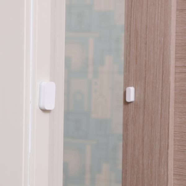 Senzor magnetic Aqara, pentru usi sau ferestre, ZigBee, versiune europeana, compatibil Homekit, MI Home EU 1