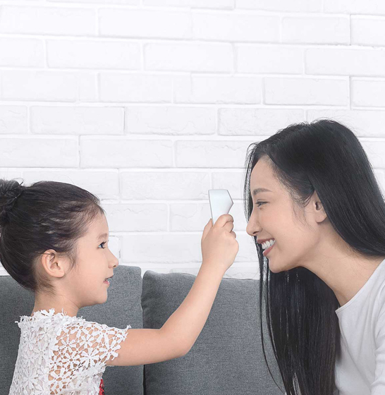 Termometru smart Xiaomi iHealth, precizie fara atingere, senzor Heyman, LED, ideal pentru copii sau bebelusi