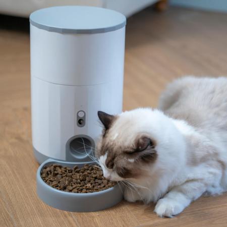 Feeder smart pentru catei sau pisici Petoneer Nutri Vision Mini, camera integrata, 2.6 litri, Wi-Fi, functie programare portie [1]