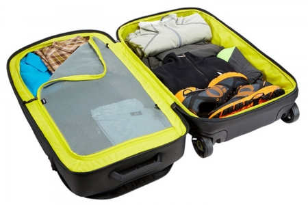 Geanta sport cu role Thule Subterra Luggage2