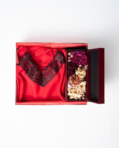 Cadou pentru ea - Set 2 piese din satin si Flori - Iarina Red 2