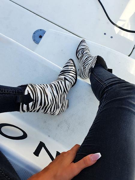 Ciocate Zebra 4