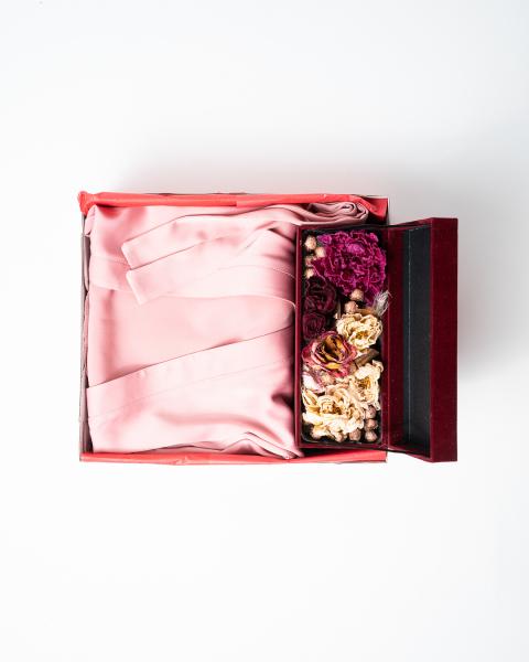 Cadou pentru ea - Halat de noapte din satin si Flori - Iasmine Pink 2