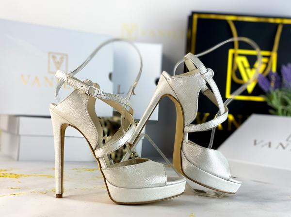 37   Sandale Berna Gri cu Reflexii Argintii Promo 1