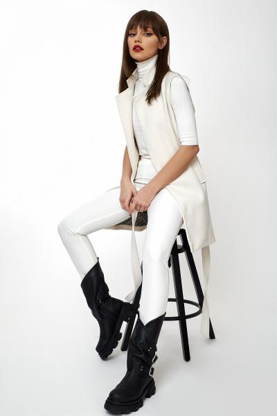 Vesta Greta White [0]