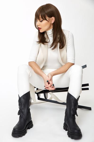 Vesta Greta White [8]