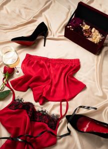 Cadou pentru ea - Set 2 piese din satin si Flori - Iarina Red3