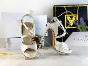 37   Sandale Berna Gri cu Reflexii Argintii Promo0