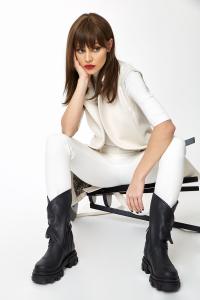 Vesta Greta White [9]