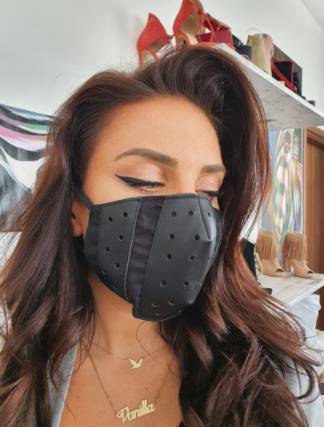 Masca Fashion, realizata din piele, cu filtre din poliproilena 0
