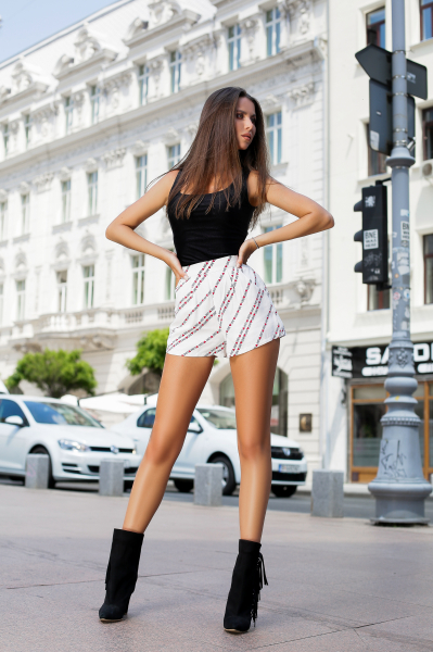 Pantaloni Scurti Valeria Love 2