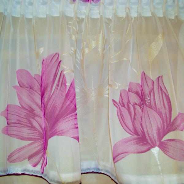 Perdea Velaria voal alb cu flori mov 1
