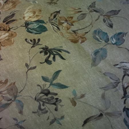 Napron Velaria cu flori 143 x 110 cm3