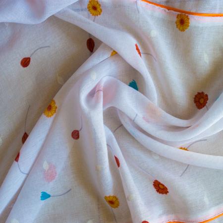 Perdea Velaria in alb cu flori portocalii1